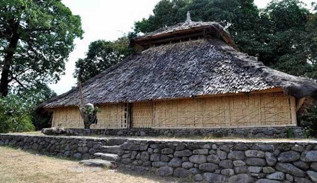 merupakan kabupaten termuda Provinsi Nusa Tenggara Barat Tempat Wisata: 10 TEMPAT WISATA TERBAIK DI LOMBOK UTARA