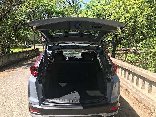 Hatch open on 2020 Honda CR-V Touring