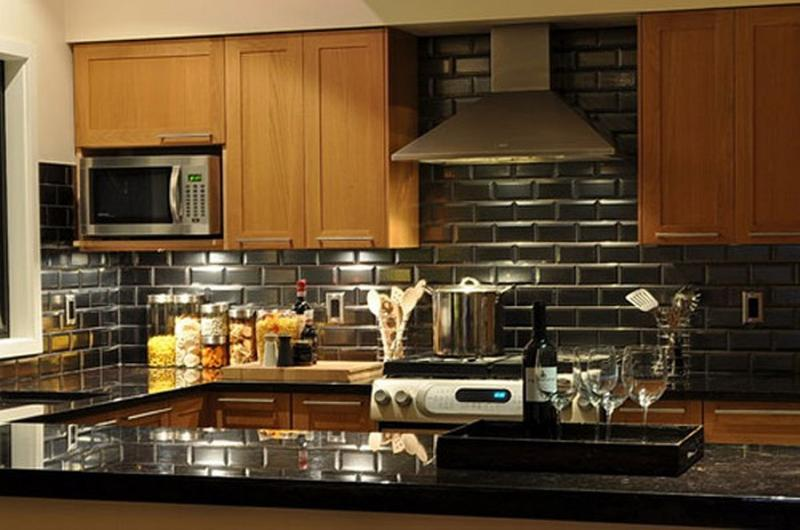 14 Beautiful Kitchen Designs with Subway Tiles