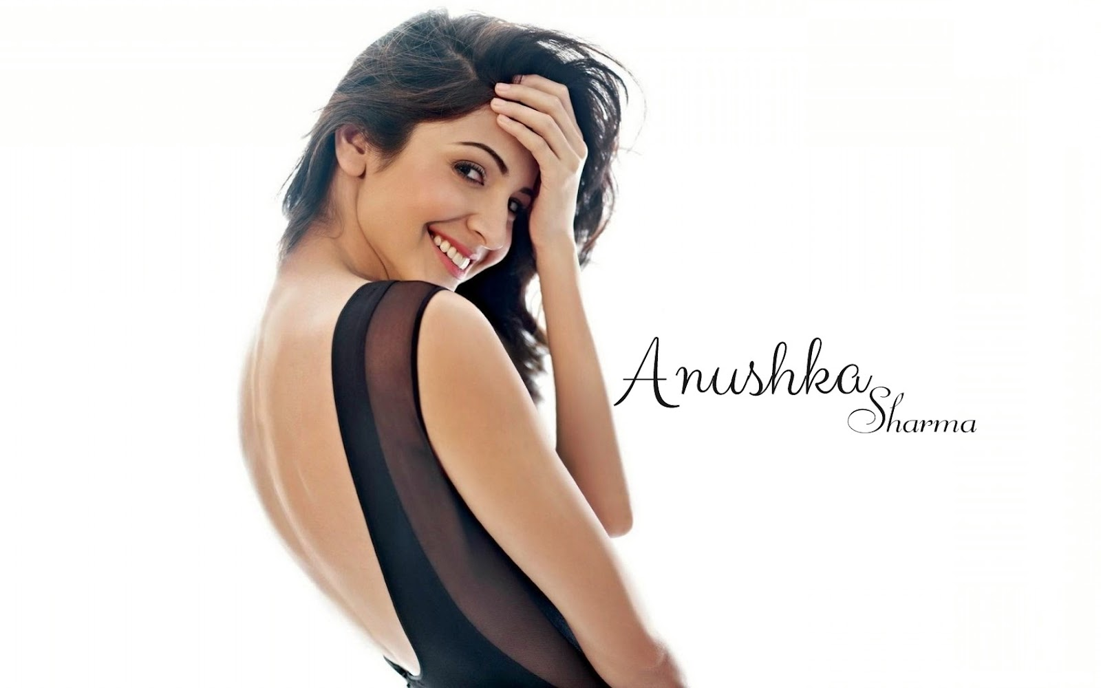 Anushka Sharma Hot  Sexy Bikini Hd Wallpaper  Images -6312