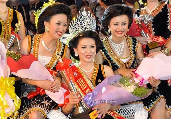 Pemenang Unduk Ngadau 2012
