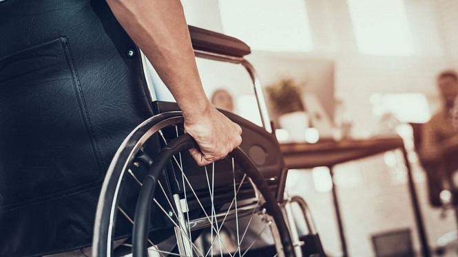 Proponen concesionar espacios a personas con discapacidad para pequeños comercios