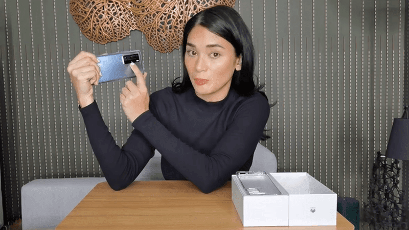 Watch: Pia Wurtzbach switches to Huawei P40 Pro