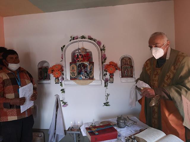 Festgottesdienste in Cucho Huasi die Kapelle wurde von den Einwohnern mit eigenen Händen neu aufgebaut.