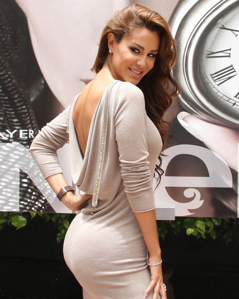 Sexy mexican Actress Ninel Conde cute blonde hari