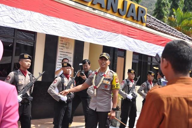 "Kapolda Jabar Irjen. Pol. Drs. Rudy; ""Masyarakat Banjar Dihimbau Menonton Putusan MK Di TV Saja"""