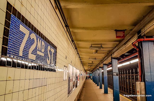 Metrô para Strawberry Fields, Nova York. Estação West 72nd Street