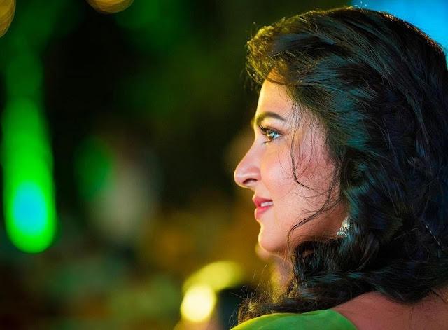 Anushka Shetty Bouncy Spiral Curls