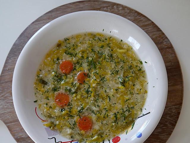 Szybka zupa porowa z kaszą jaglaną - Czytaj więcej »