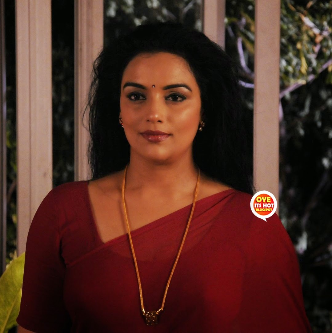 Swetha Menon Sizzlin In Saree  Cute Marathi Actresses -1198