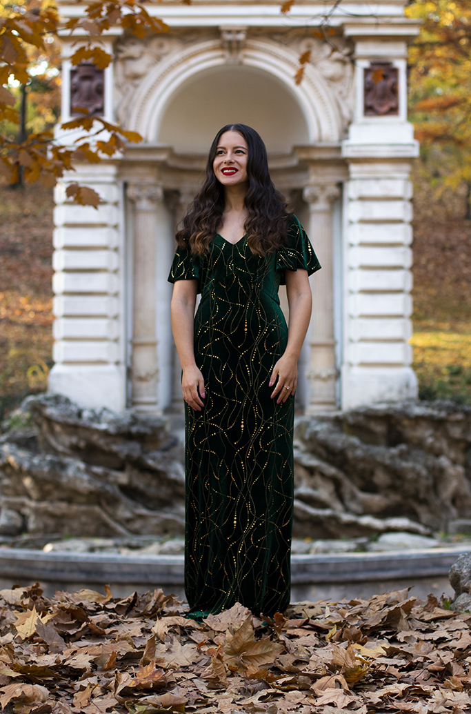 adina nanes emerald green velvet dress