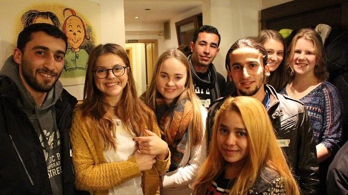 Austrija: keturi iš dešimties pabėgėlių meluoja apie savo amžių