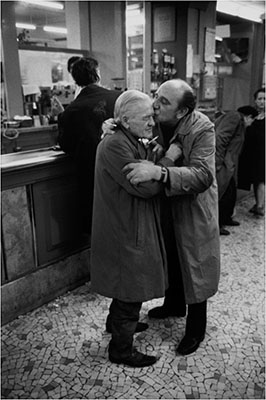 http://frenchvintagegallery.tumblr.com/post/152120220800/customer-kisses-his-friend-on-the-head