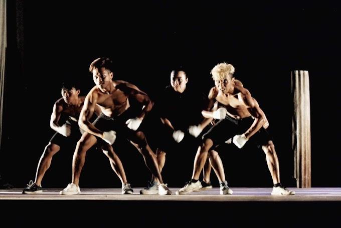 """Pekan Nan Tumpah Hari Kedelapan: Payung Sumatera Dance Theater Tampilkan """"Geometri"""""""