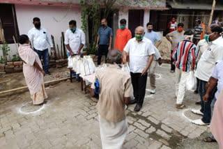bhrtiy-jan-morcha-distribute-relief