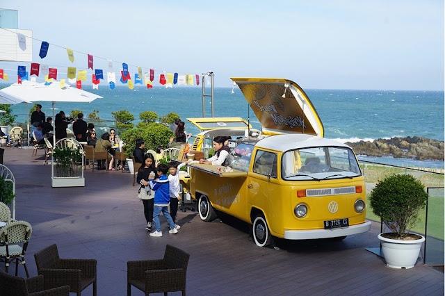 beachside VW food van
