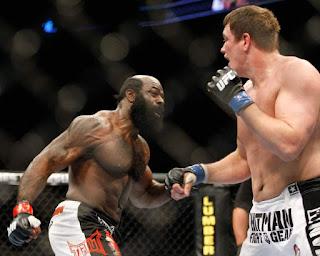 Petarung Kelas Berat MMA Kimbo Slice Meninggal