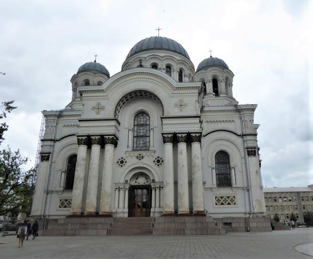 chiesa san michele arcangelo kaunas