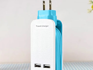 Smart Travel Charger (Blue)