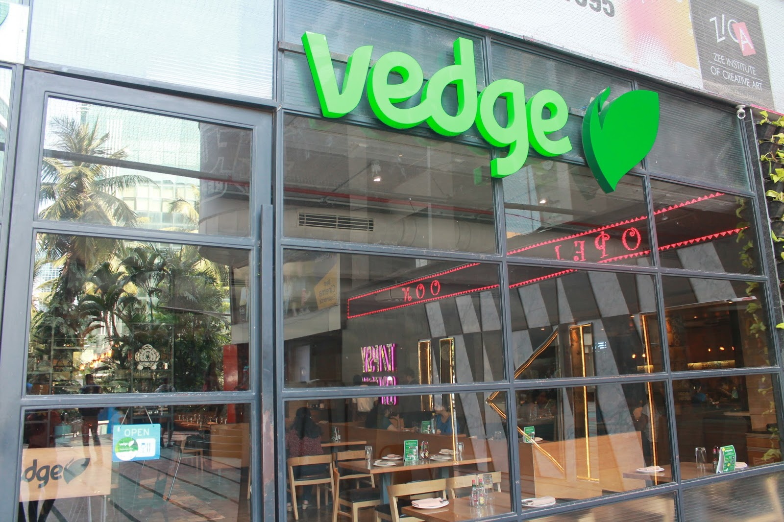 Dating vegetarian restaurant