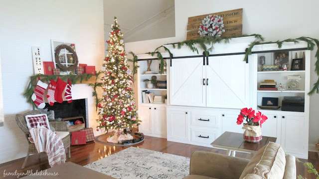 Family and the Lake House - Holiday Home Tour 2016 - www.familyandthelakehouse.com