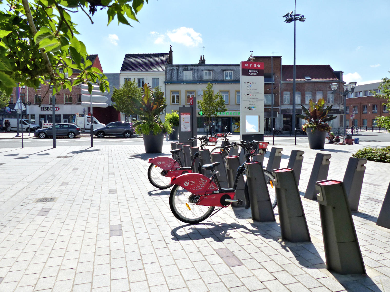 """Location Vélos V'Lille Tourcoing, """"Place Roussel"""""""