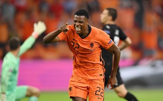 Ολλανδία – Αυστρία 2-0: Εύκολα στους «16» η ομάδα του Ντε Μπουρ