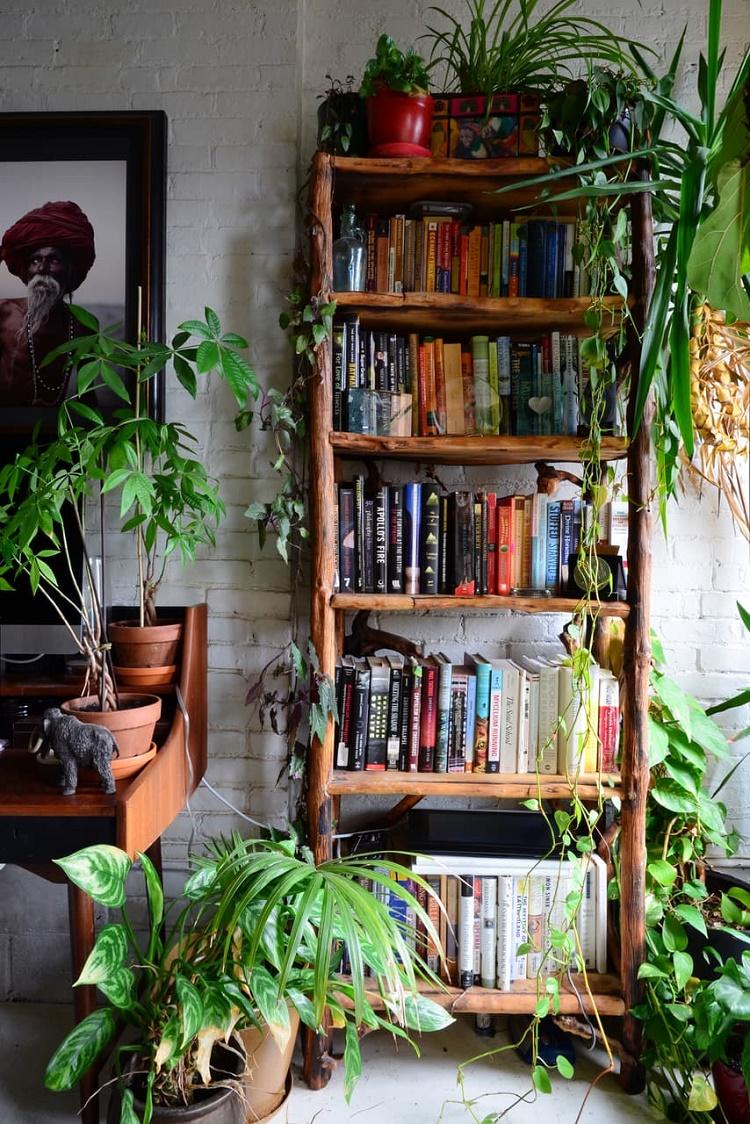 Gypsy yaya indoor jungle secret garden apartment in brooklyn for Using plants in home decor