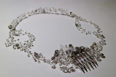 corona de cristales en tonos plateados by tocados nila taranco