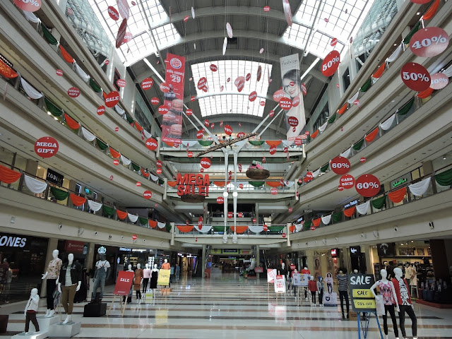 Decor of KORUM Mall on the occassion of Republic Day