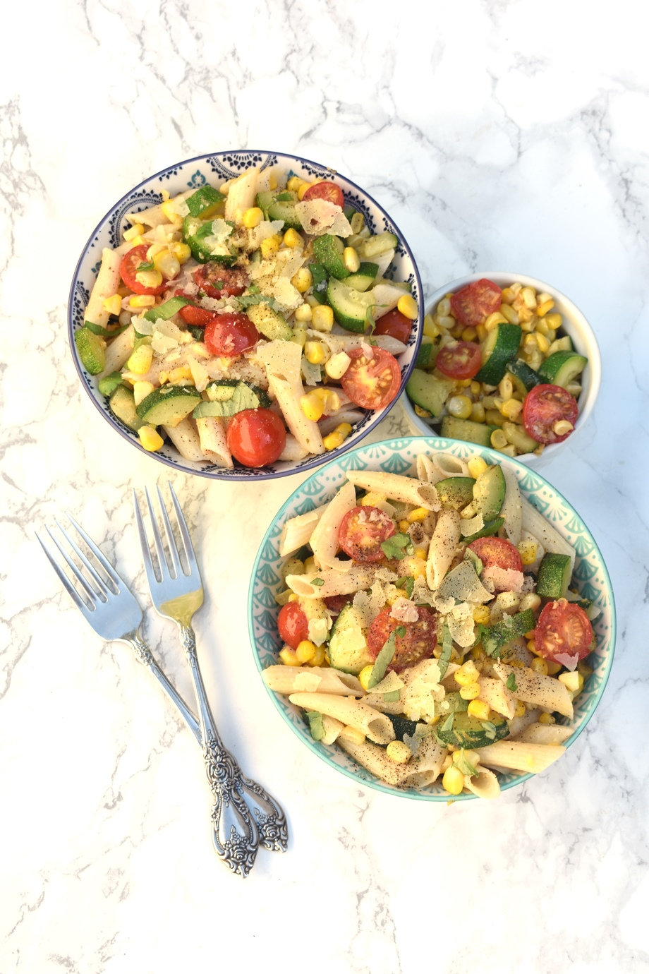 pasta salad with tomato zucchini corn