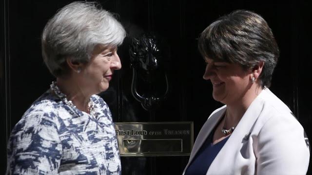 May seguirá siendo primera ministra a cambio de $1270 millones