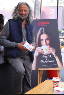 Samar singh Jodha Unveiling the new variant lemon and honey green tea at india art Fair