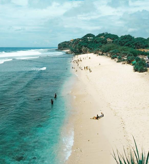 Pantai watu kodok, camping di pantai watu kodok, harga tiket masuk pantai watu kodok, rute perjalanan ke Pantai Watu Kodok