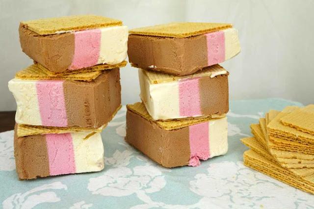 helado al corte o helado sandwich de tres sabores