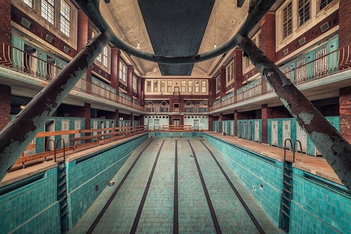 Matthias Haker abandoned buildings photographs look like paintings