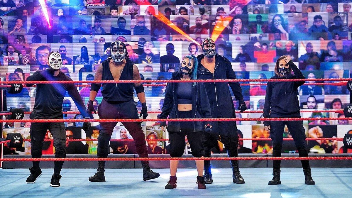 Mustafa Ali é destruído pela RETRIBUTION no WWE Fastlane