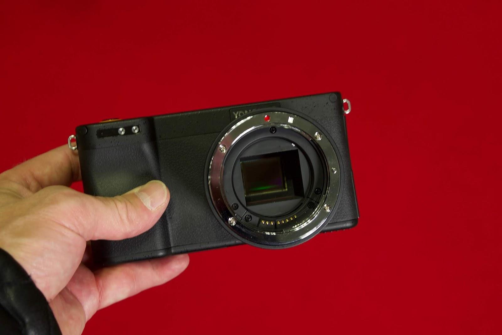 Камера Yongnuo YN450, вид спереди