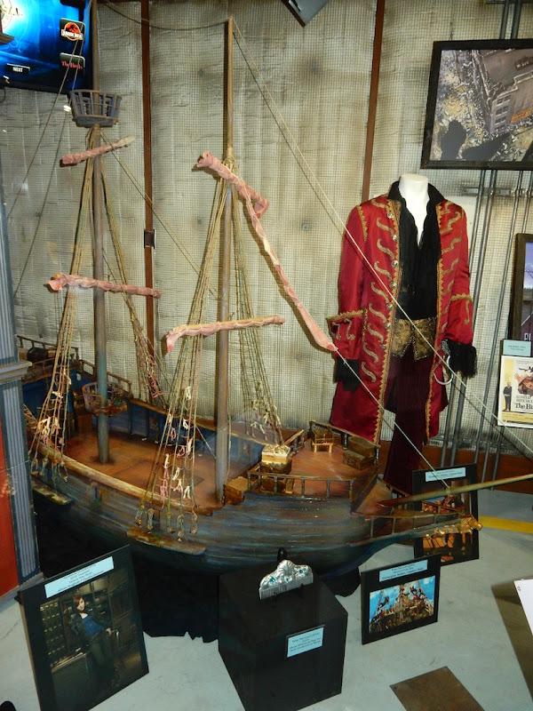 Peter Pan Captain Hook costume pirate ship