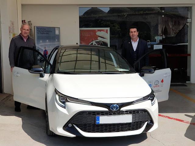Δωρεά αυτοκινήτου από την Toyota Θ. Πούλος στον Δήμο Ναυπλιέων