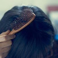 تساقط الشعر: حلولنا وعلاجاتنا المضادة لتساقط الشعر