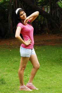 Actress Sayenthara sizzling 006.jpg