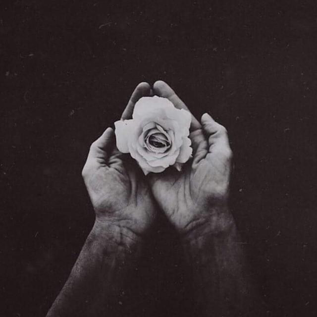 Hình ảnh đẹp ý nghĩa về tình yêu buồn đúng tâm trạng