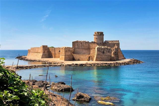 Castello Aragonese di Le Castella na região da Calábria