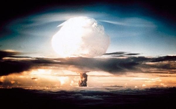 Bị đánh bom nguyên tử vì sao người Nhật lại cúi đầu kính trọng tướng Mỹ