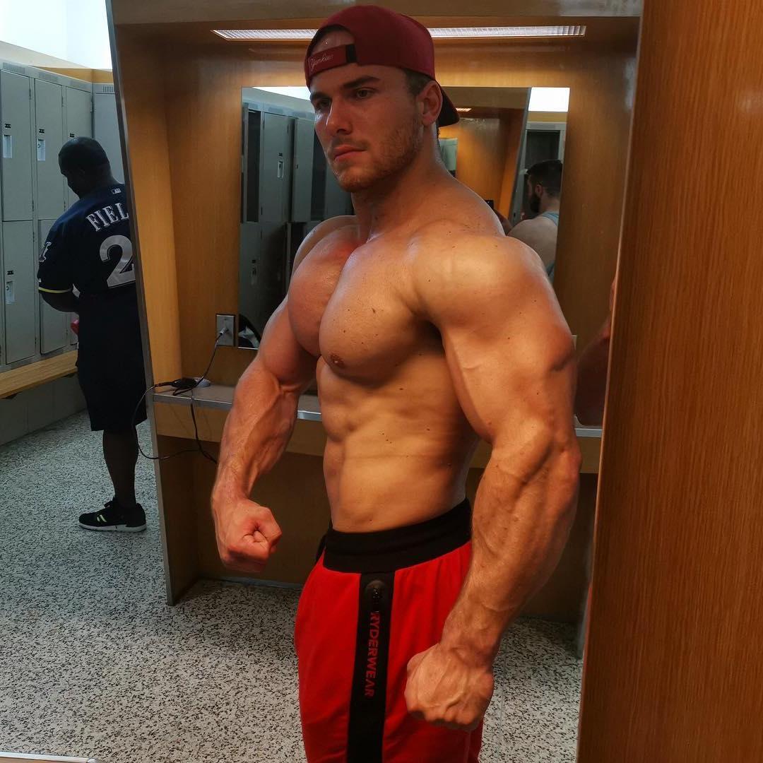 sexy-muscle-hunks-tommy-majka-strong-alpha-male-swole-body-straight-gym-bro