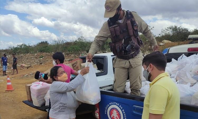 Patrulha solidária da Polícia Militar entrega 240 itens em Vitória da Conquista