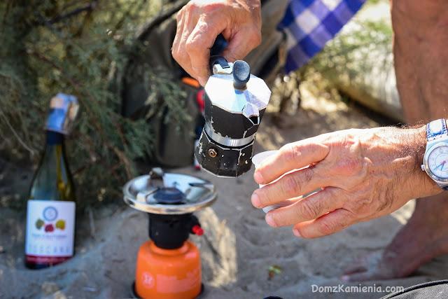 Dom z Kamienia blog - kawa na plaży