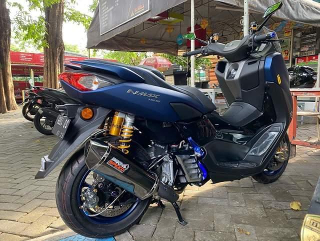 Modif Knalpot dan Suspensi New Nmax Y Connect ABS Warna biru