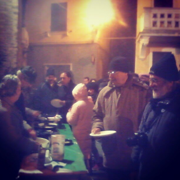 The foodie queue during the 'notte dei rivolti'
